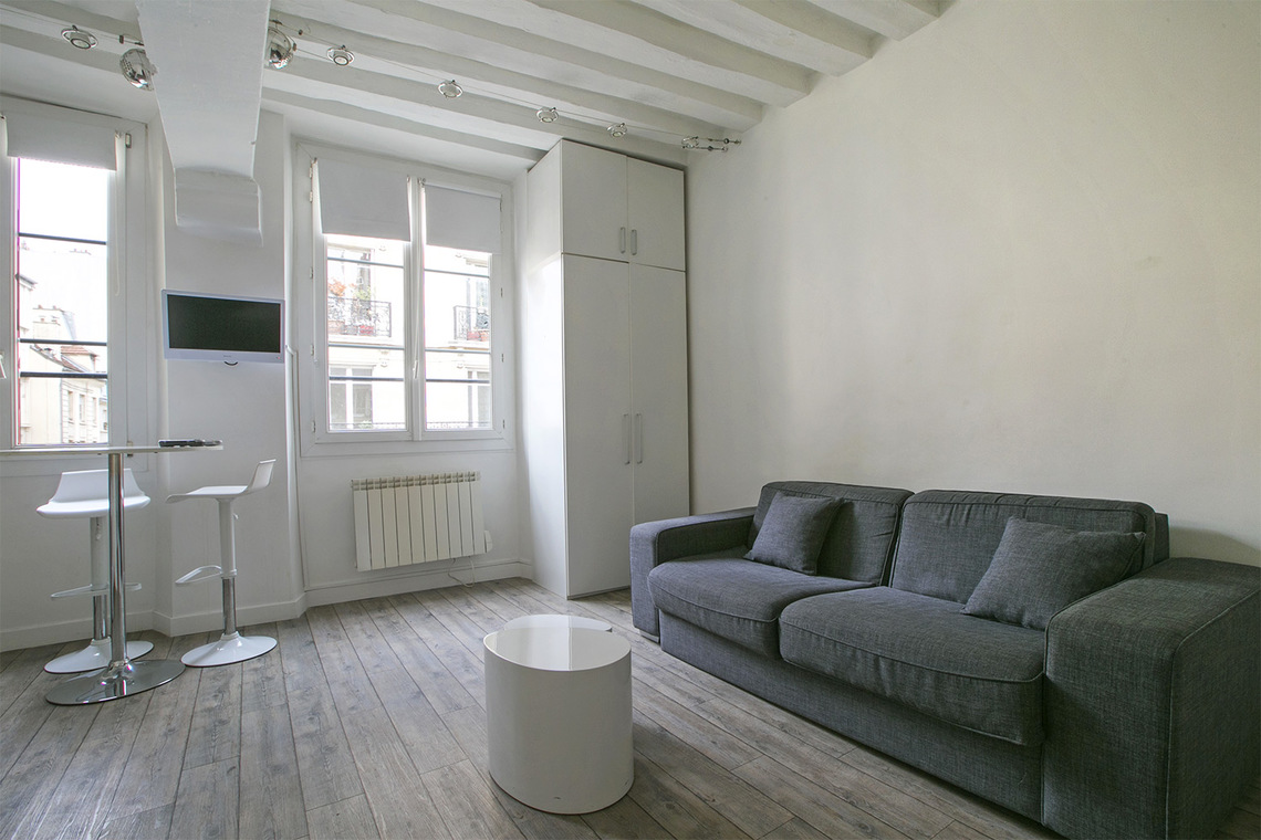 Furnished apartment for rent Paris Rue Saint Jacques