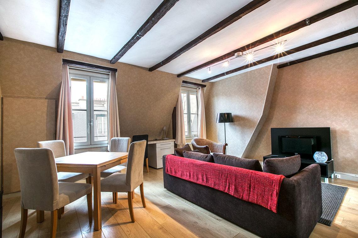 Apartment for rent rue du printemps paris ref 12930 - Living room bedroom bathroom kitchen ...
