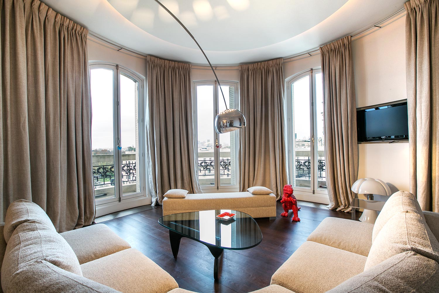 Appartement paris rue louis boilly for Appartement meuble a louer paris 16