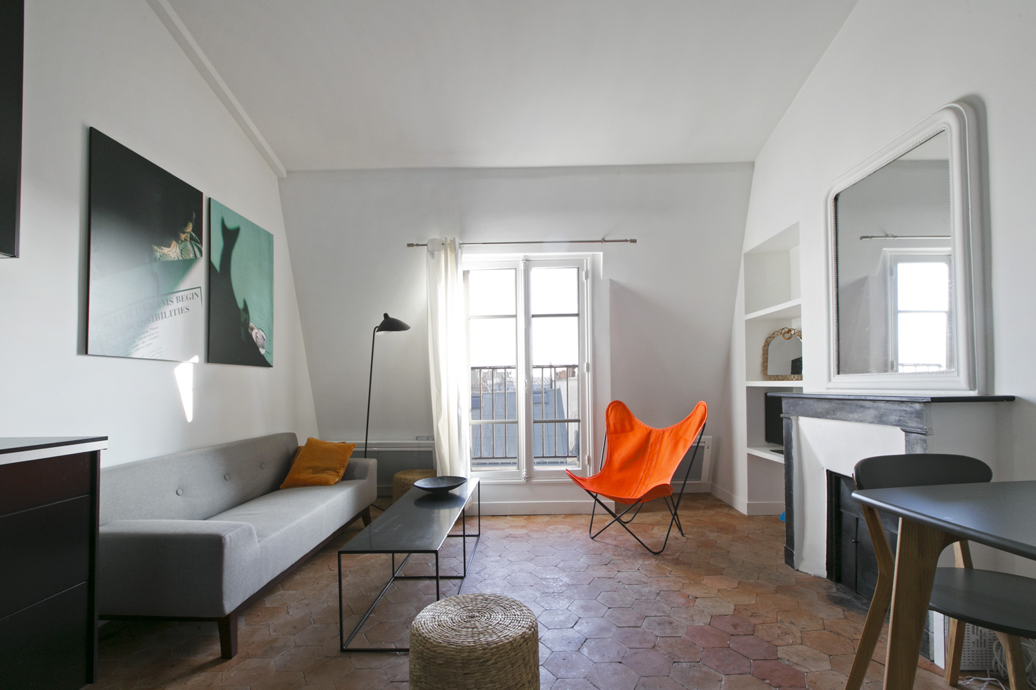 Apartment Paris rue de Rochechouart