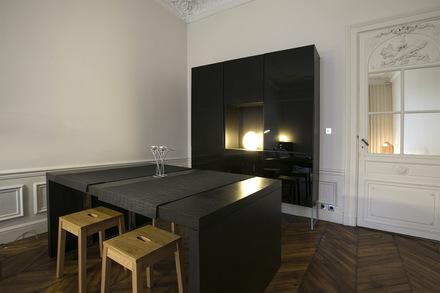 location appartement meubl boulevard de la tour maubourg paris ref 13038. Black Bedroom Furniture Sets. Home Design Ideas