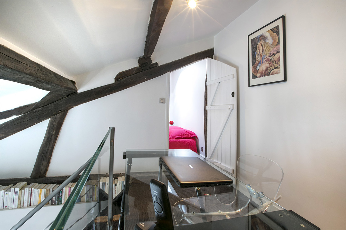 Apartment Paris Rue du Sabot 17