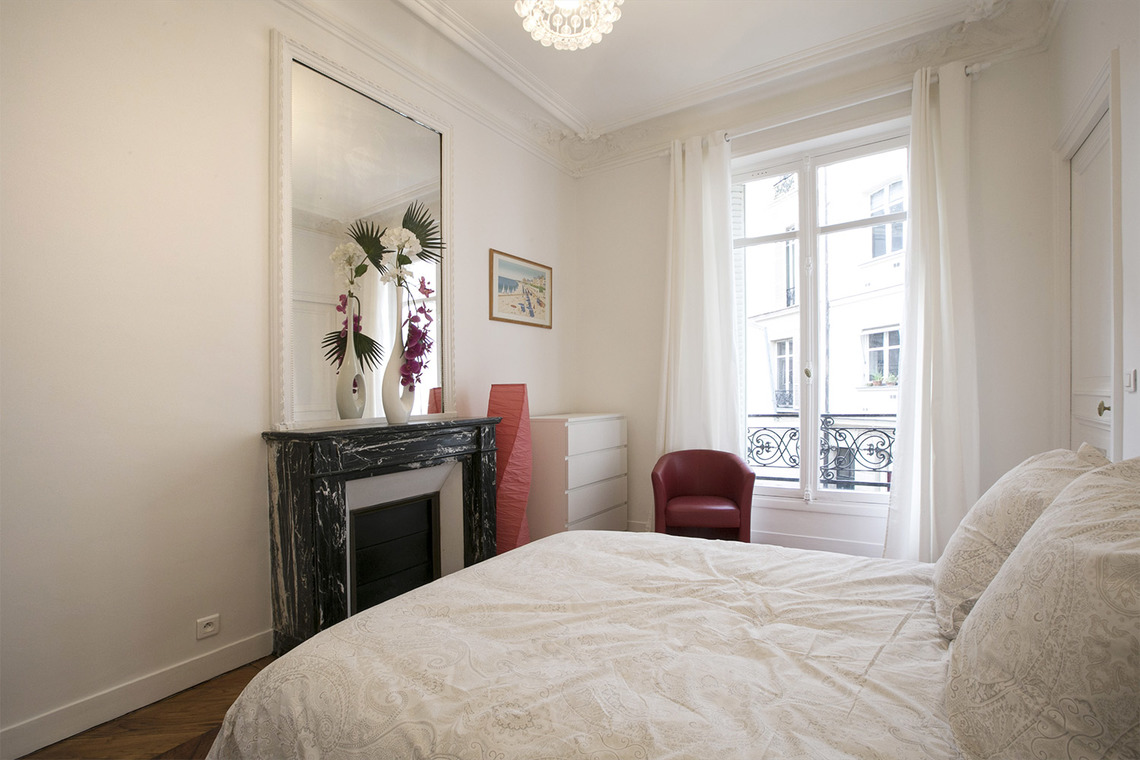 Квартира Paris Rue Meissonier 10