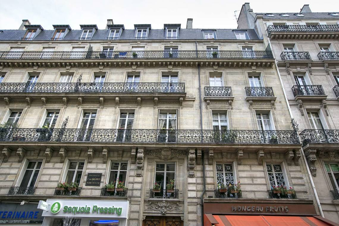 Квартира Paris Rue Meissonier 20