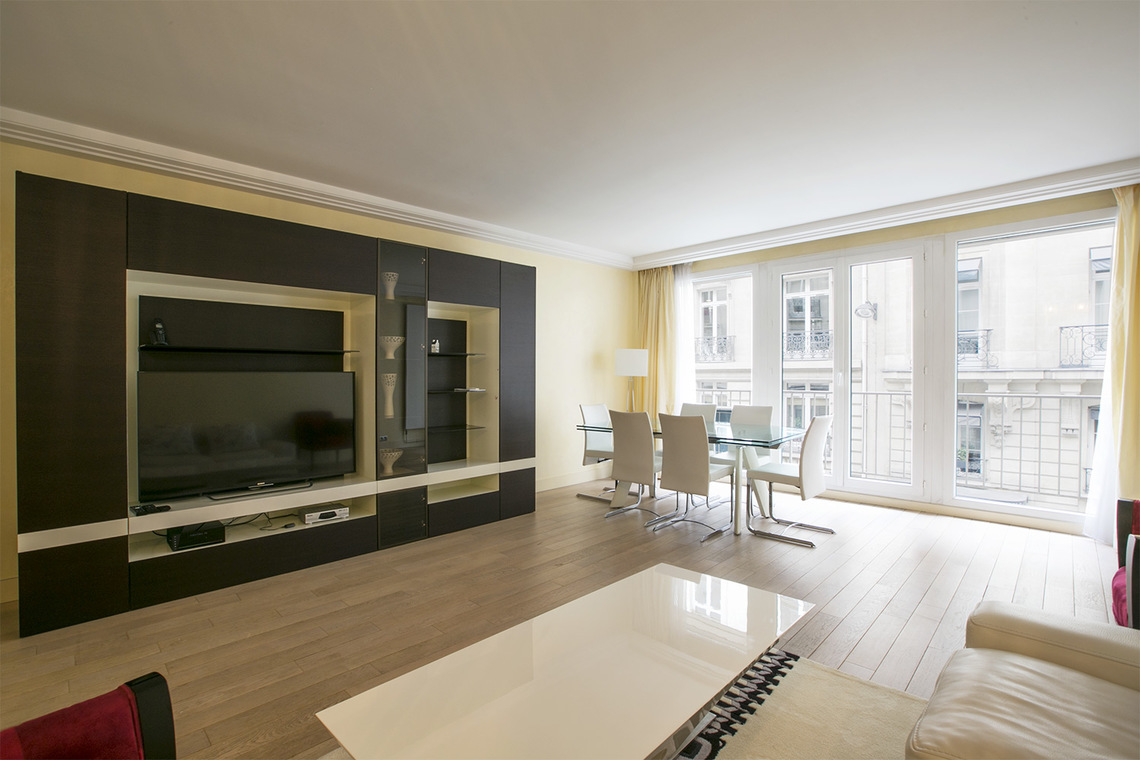 Apartment Paris Rue Magellan 2