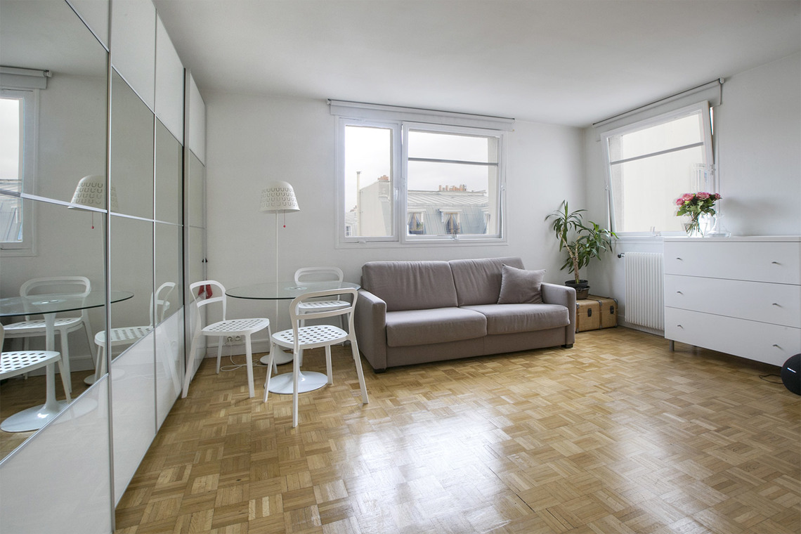 Paris Rue de la Tour d'Auvergne Apartment for rent