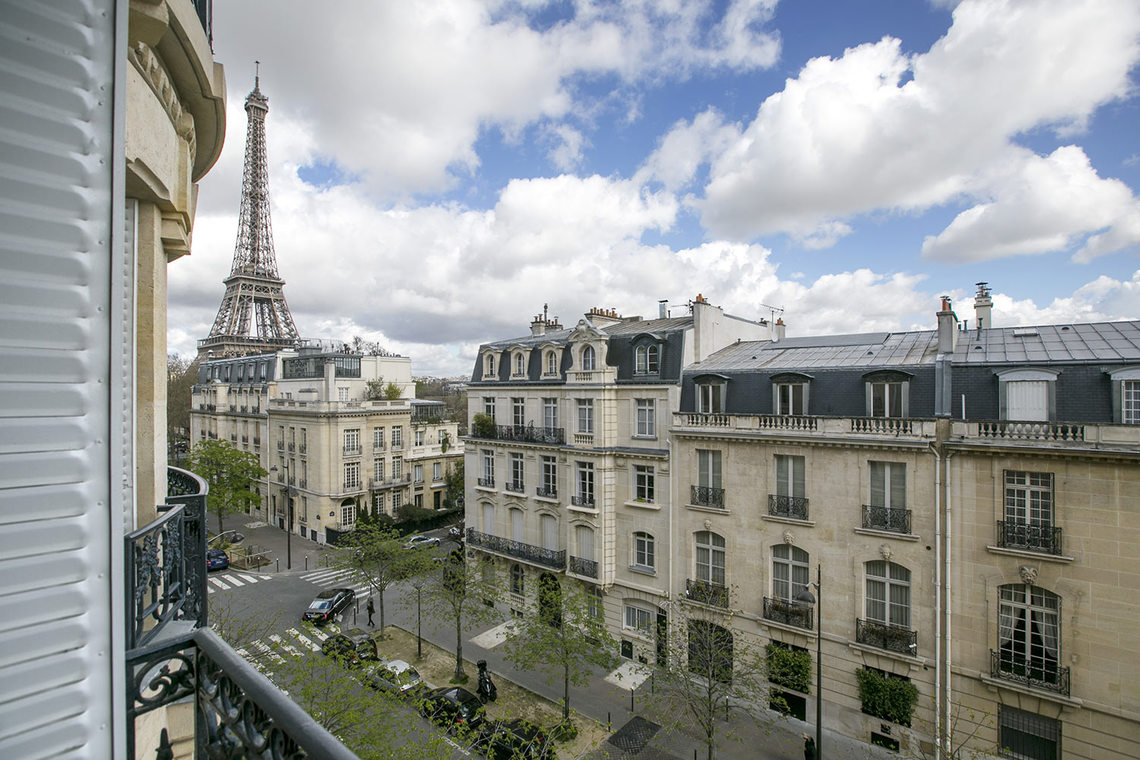 Квартира Paris Avenue Charles Floquet 17