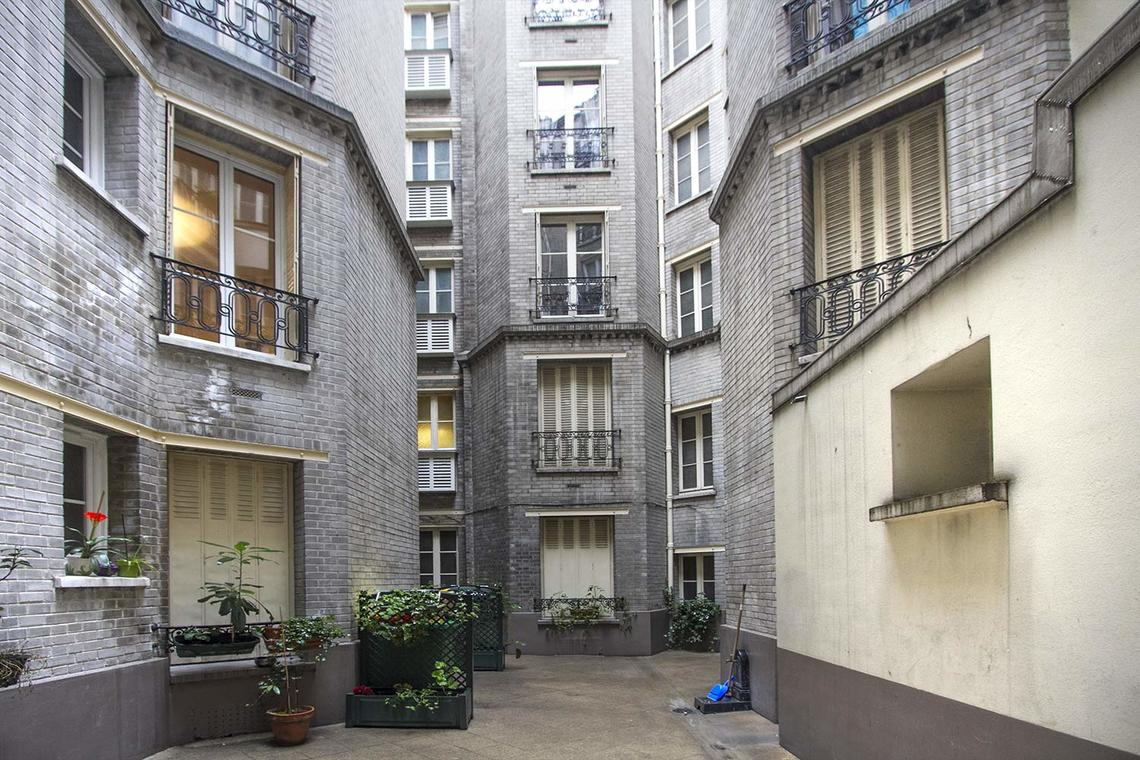 Apartment Paris Rue Laugier 15