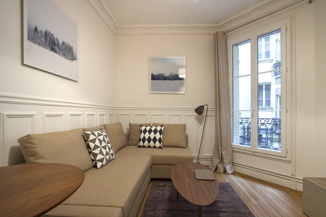 Apartment Paris Rue Laugier 2
