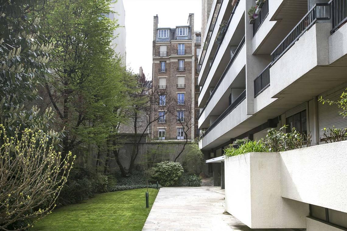 Location studio meubl rue du cherche midi paris ref 13409 for Cherche appartement paris