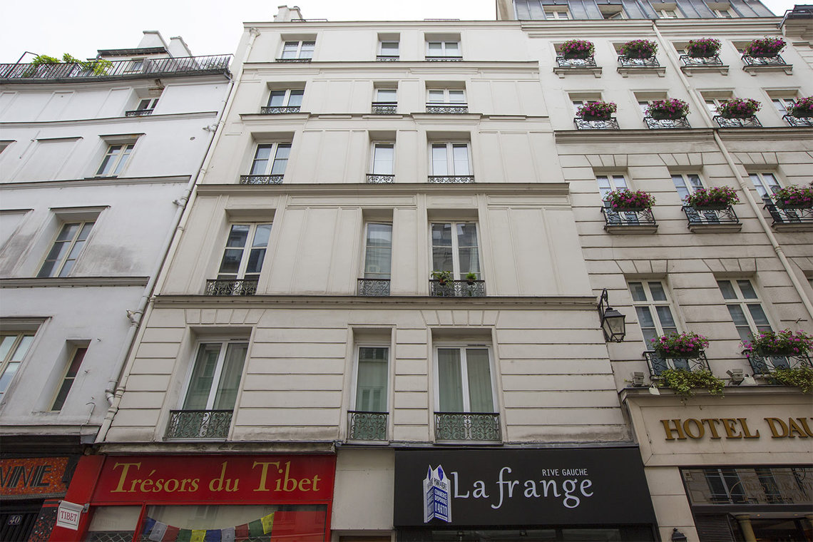Apartment Paris Rue Dauphine 14
