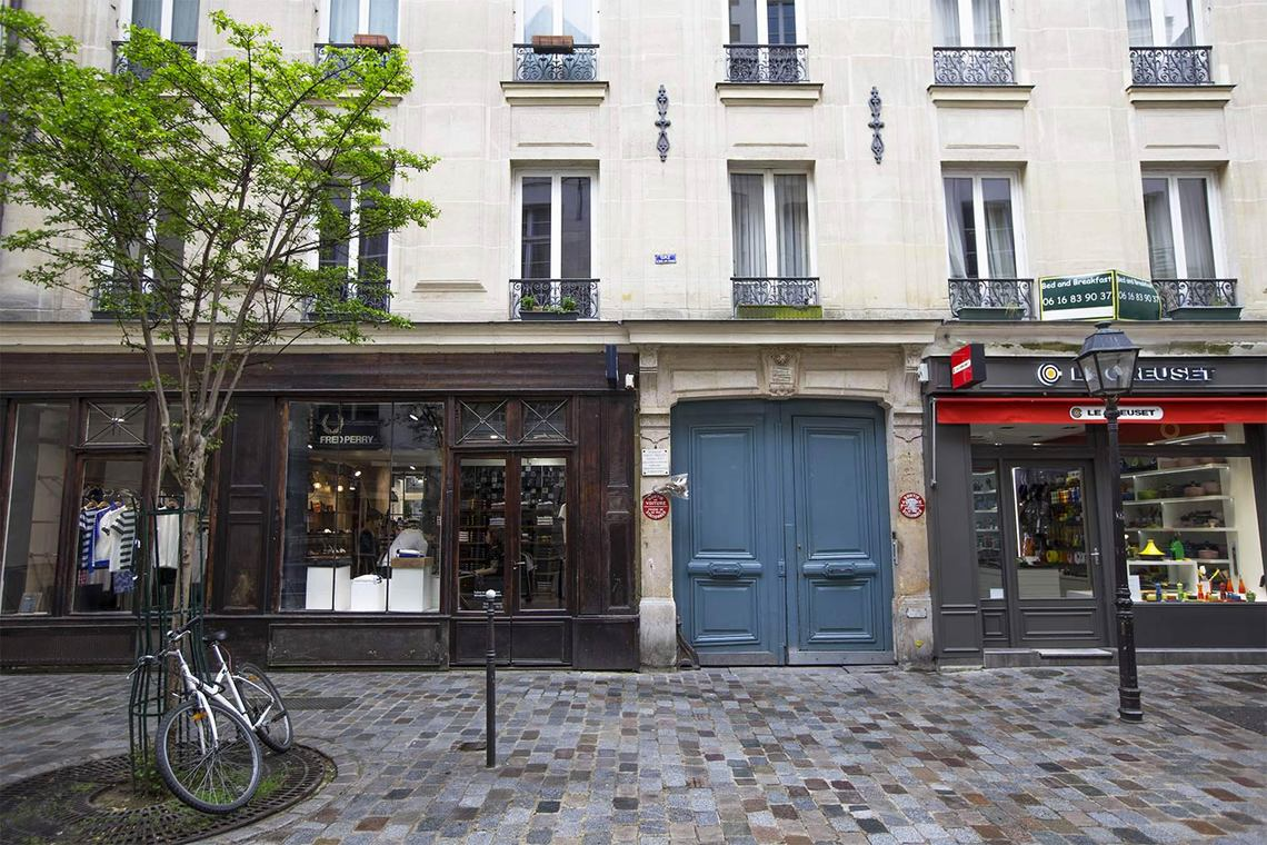 Apartment Paris Rue des Rosiers 10