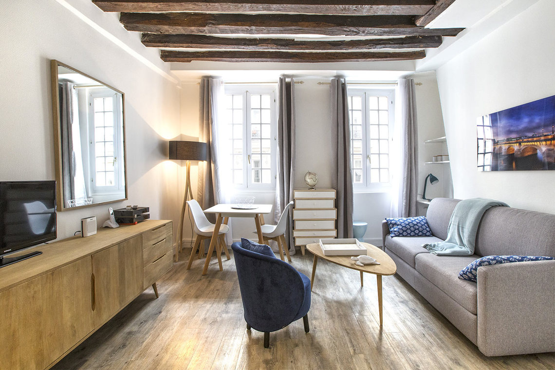 Apartment Paris Rue Mazarine 2
