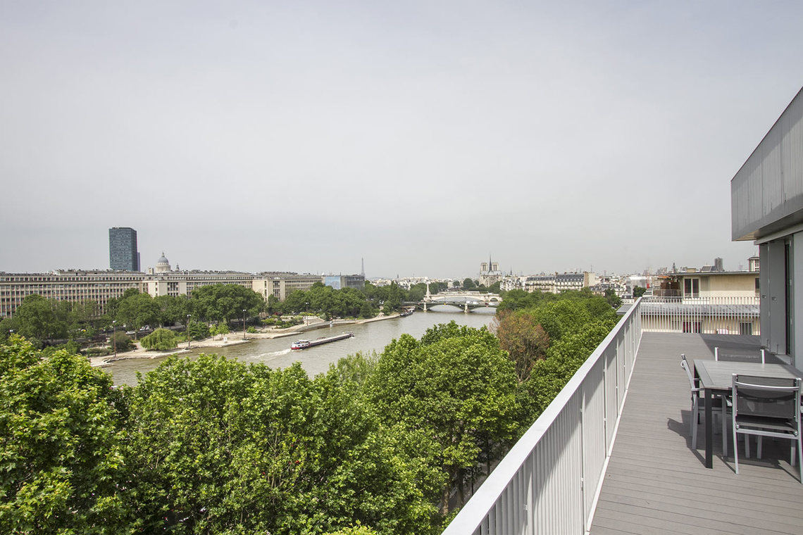 Apartment Paris Quai Henri IV 9