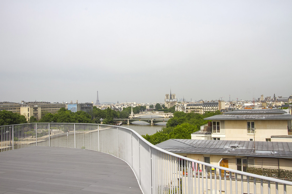 Apartment Paris Quai Henri IV 14