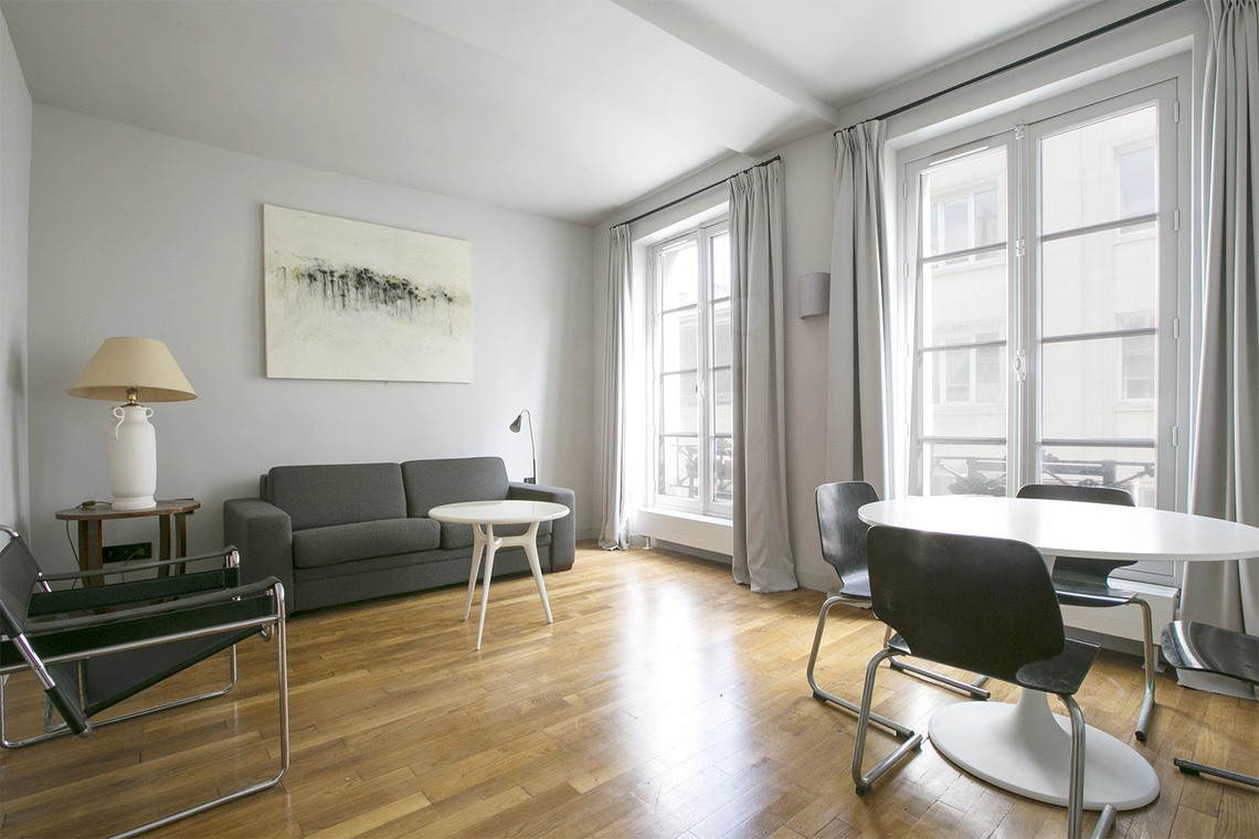 Furnished apartment for rent Paris Rue Charles V