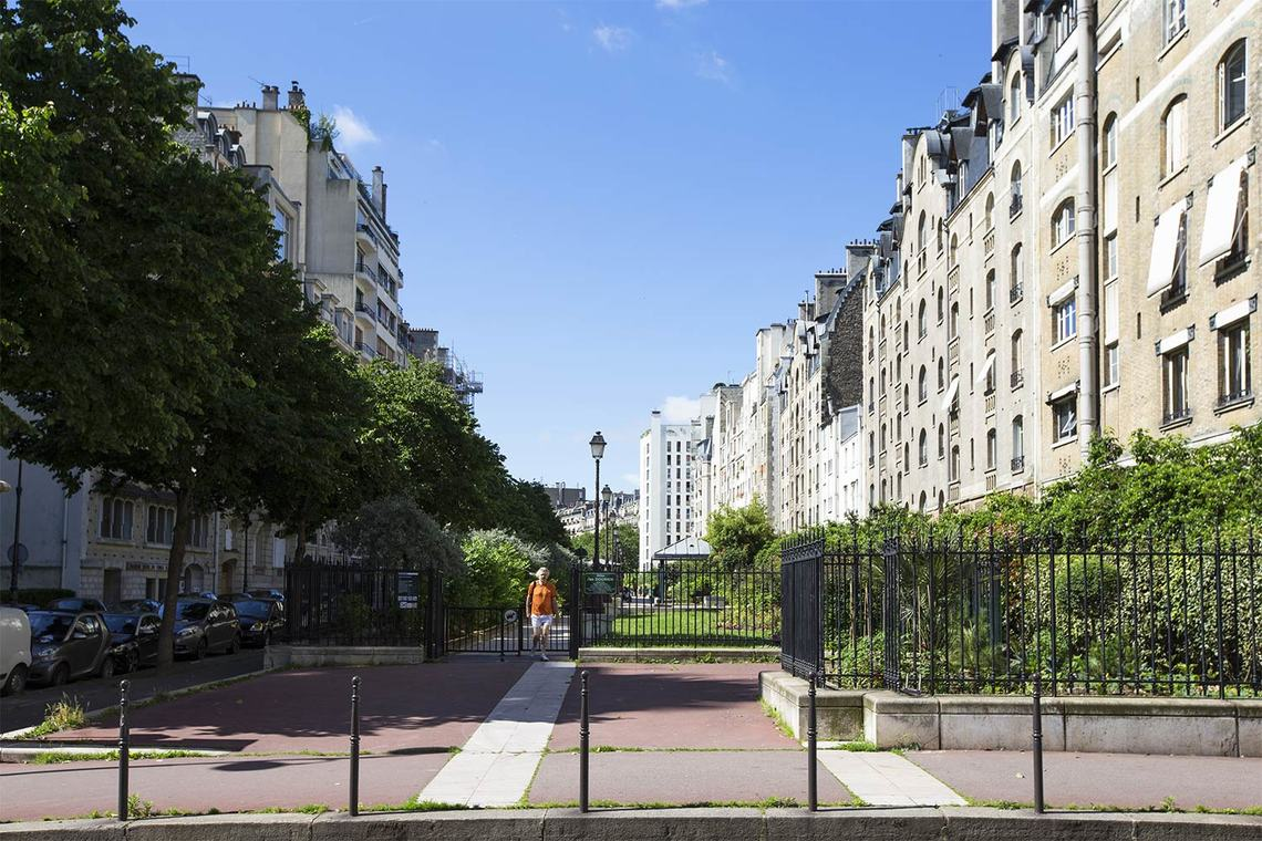 Apartment Paris Boulevard Flandrin 24
