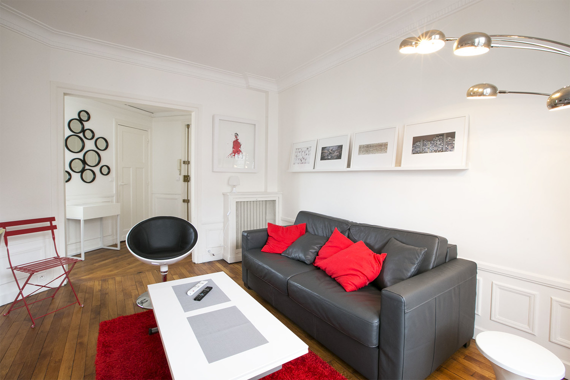 Paris Rue du Bois de Boulogne Apartment for rent