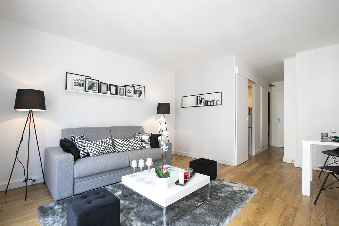 Location studio meubl rue jouffroy d 39 abbans paris ref for Assurance location meuble