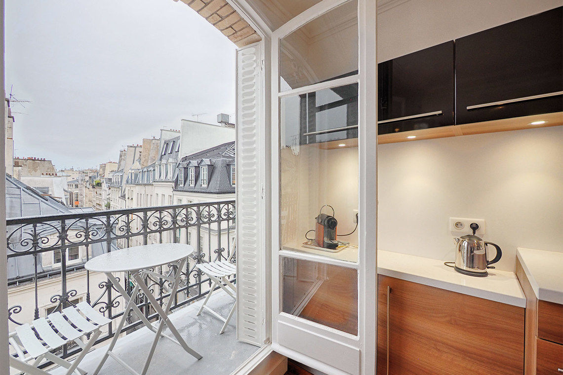 Apartment Paris Rue Bachaumont 9