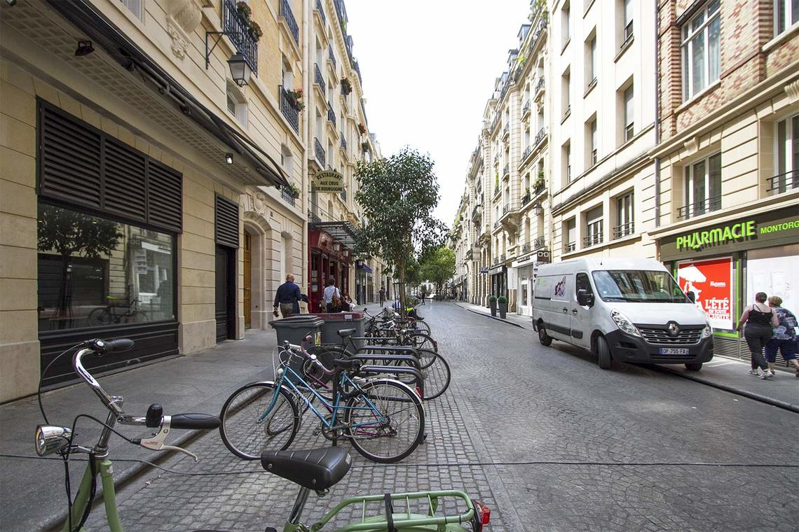 Apartment Paris Rue Bachaumont 22