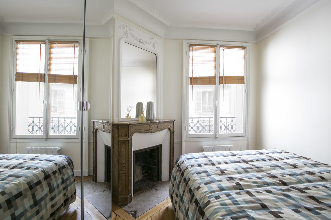 Apartment Paris Rue de Verneuil 8