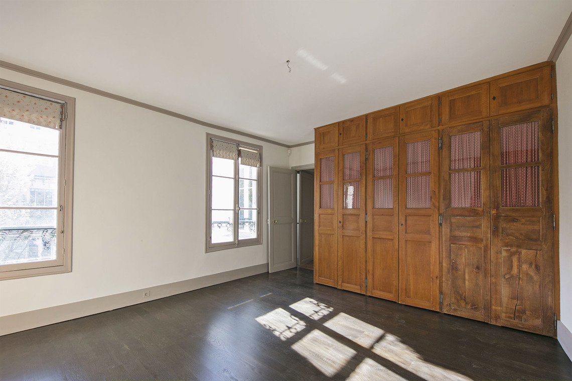 Apartment Paris Rue Vaneau 12