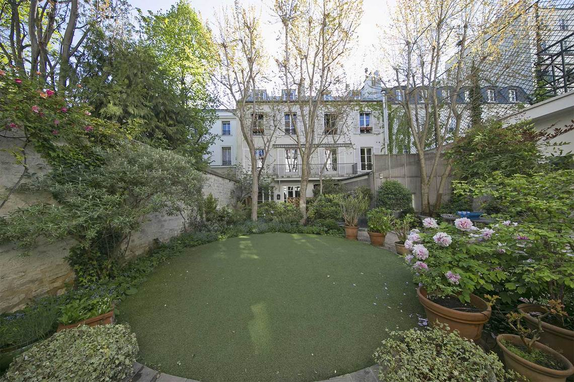 Apartment Paris Rue Vaneau 22