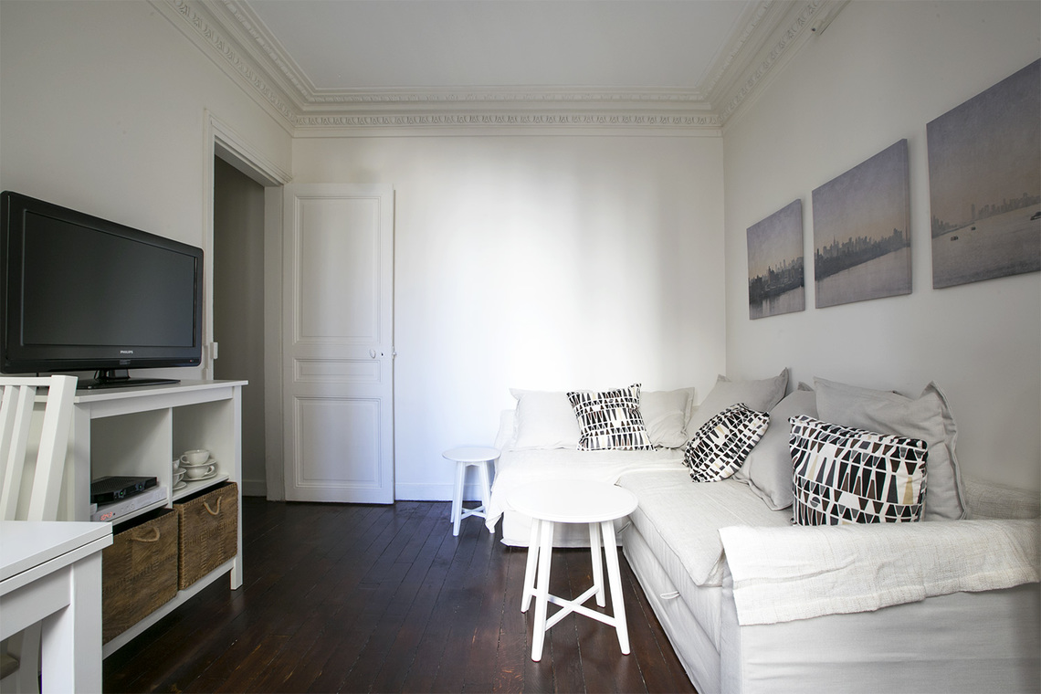 Paris Rue des Ursulines Apartment for rent