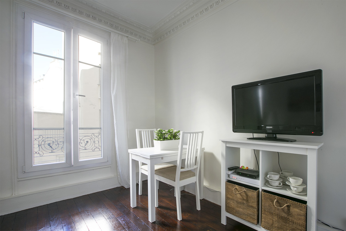 Apartment Paris Rue des Ursulines 3