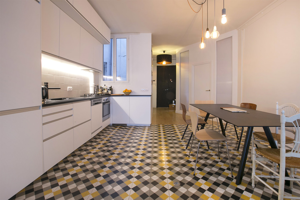 Location appartement meubl rue de cl ry paris ref 13975 for Salon cuisine paris