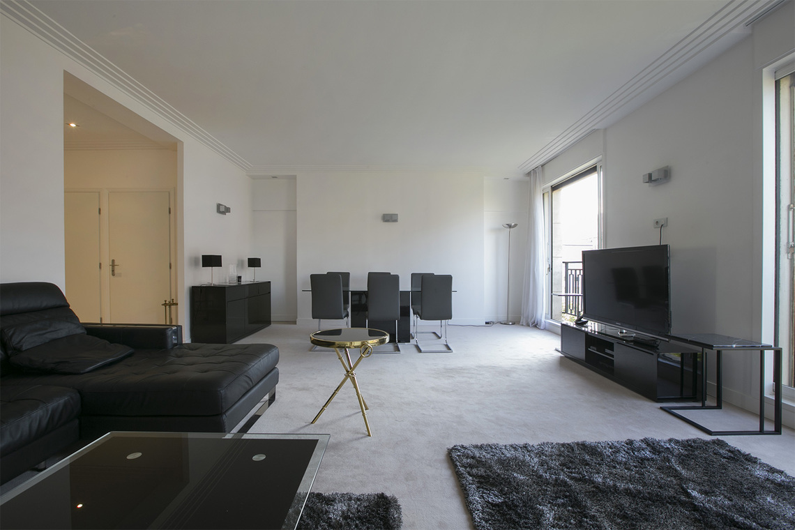 Paris Avenue Montaigne Apartment for rent