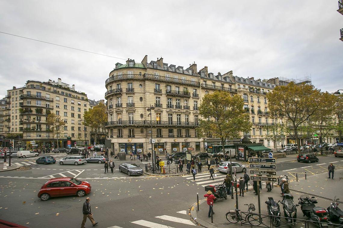 apartment for rent rue du bac paris ref 14020. Black Bedroom Furniture Sets. Home Design Ideas