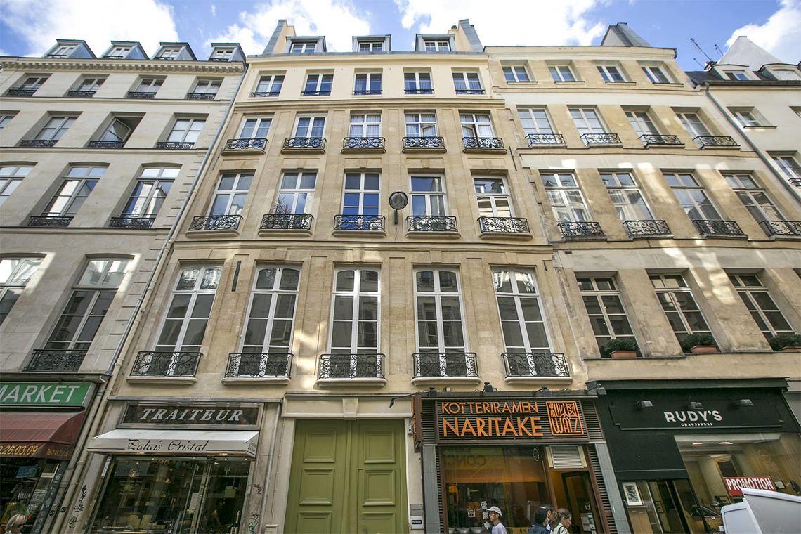 Studio For Rent Rue Des Petits Champs  Paris