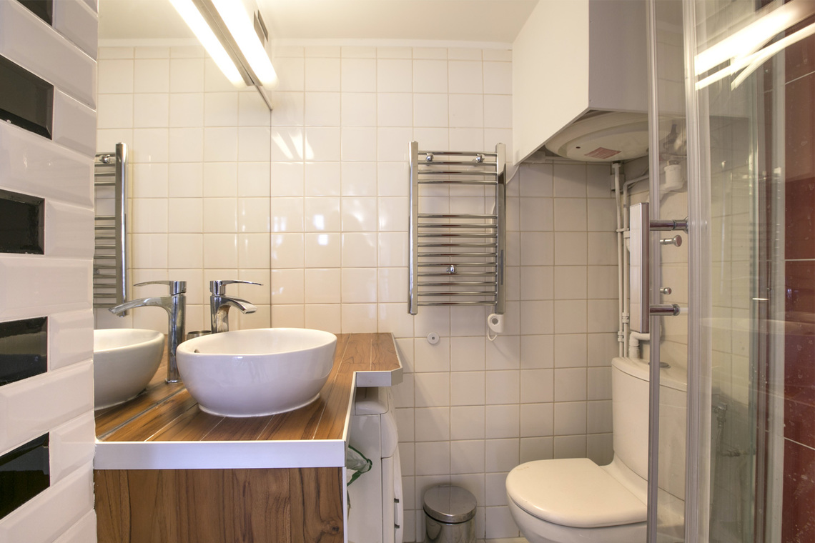 Apartment Paris Rue Geoffroy l'Angevin 9