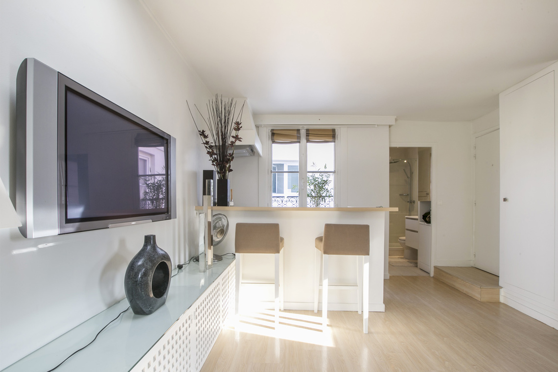 Apartment Paris Rue Weber 5