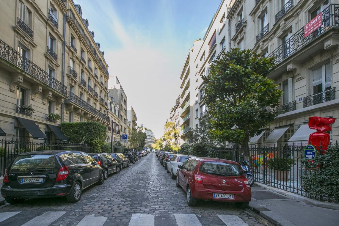 Apartment Paris Rue Weber 12