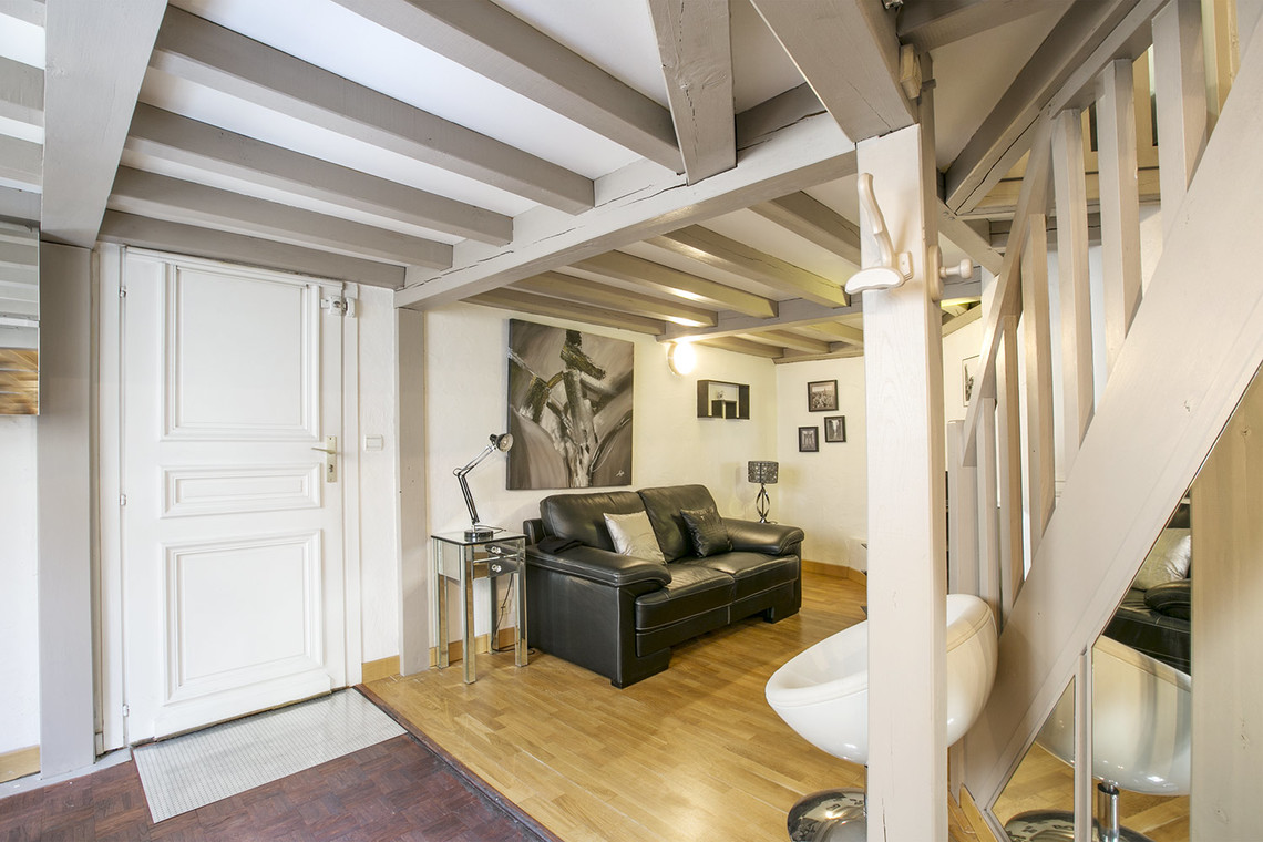 Paris Avenue de Friedland Apartment for rent