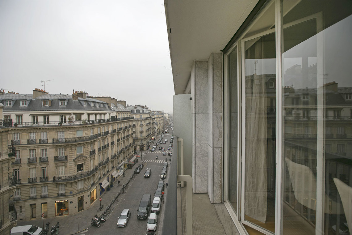 Apartment Paris Rue François 1er 14