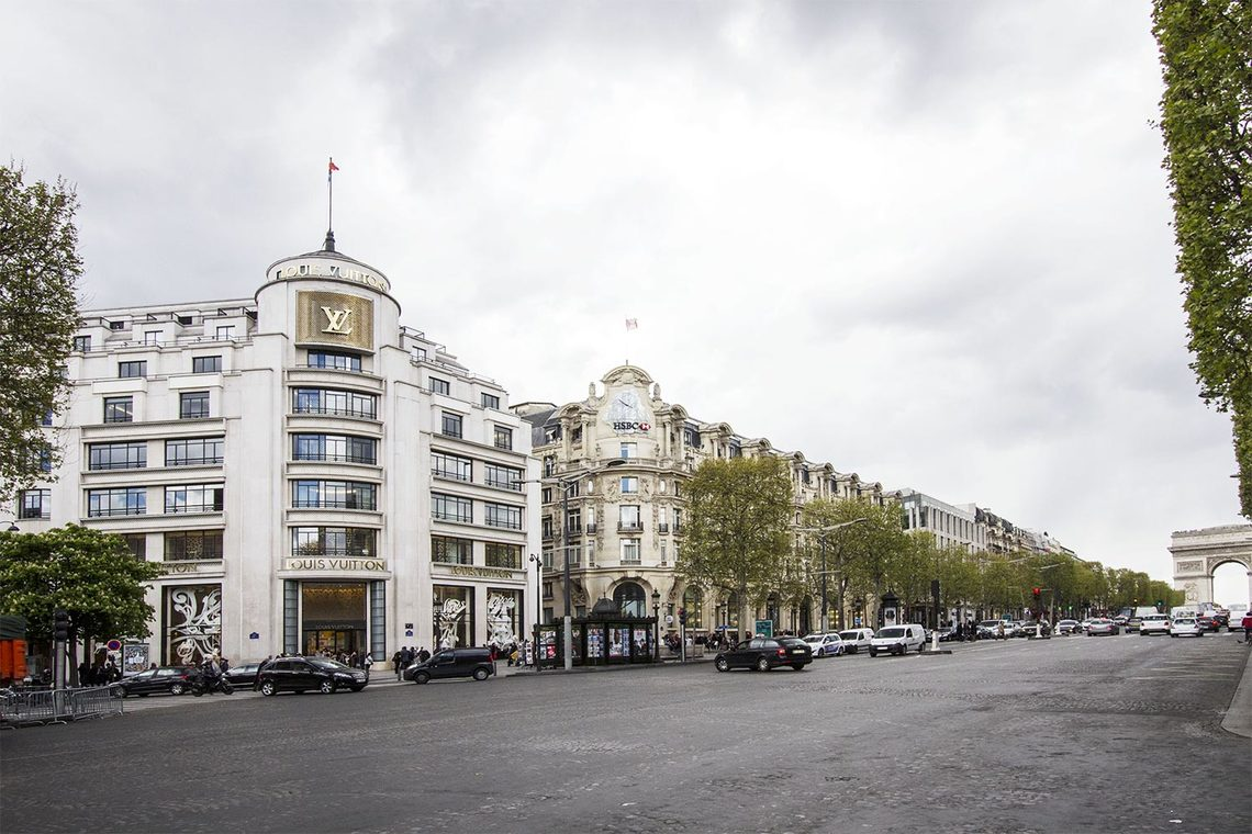 Apartment Paris Rue François 1er 19