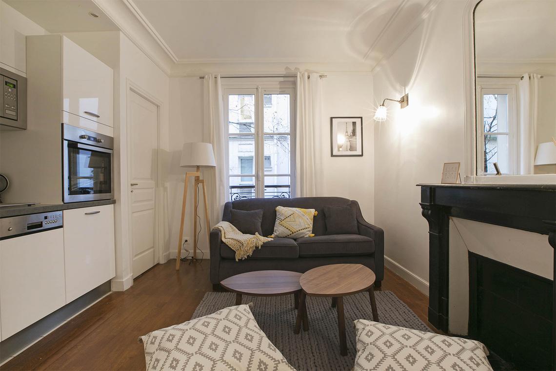 location appartement meubl rue yvon villarceau paris ref 14242. Black Bedroom Furniture Sets. Home Design Ideas