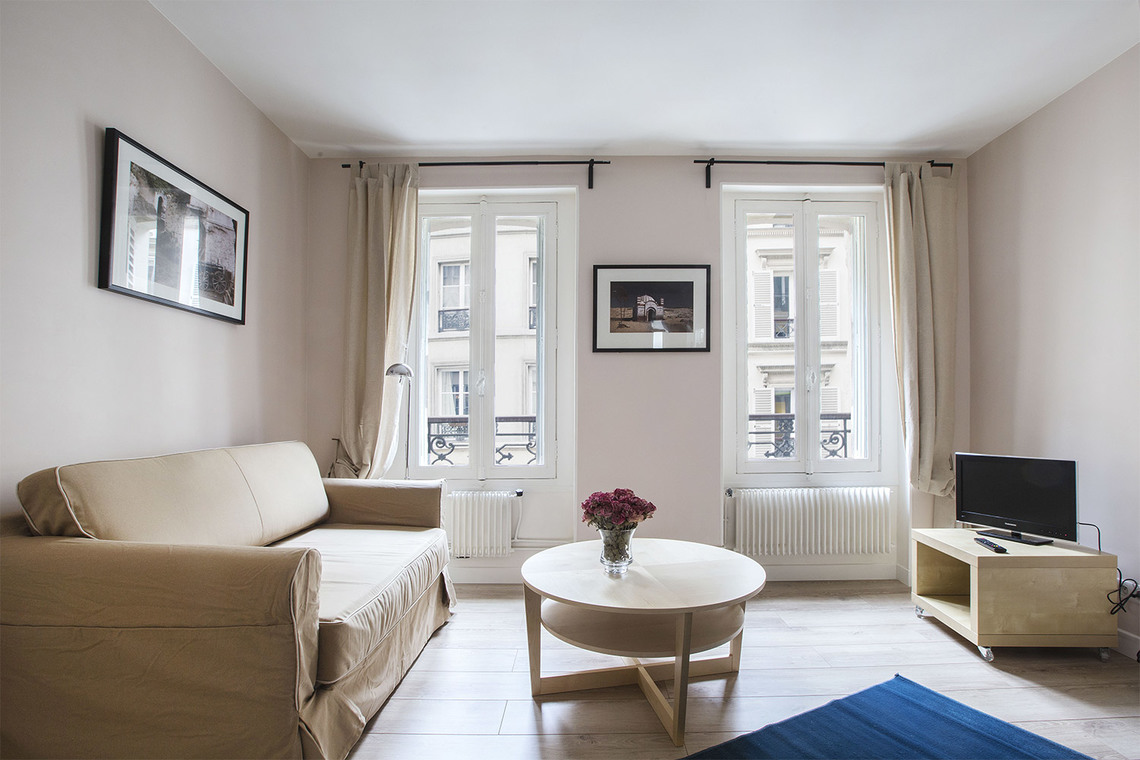 Furnished apartment for rent Paris Rue Truffaut