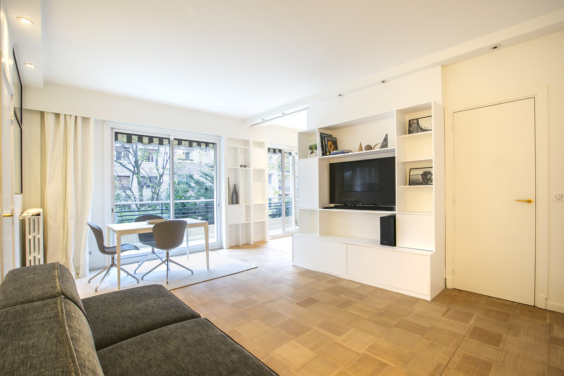 Neuilly-sur-Seine Boulevard Maurice Barres Apartment for rent