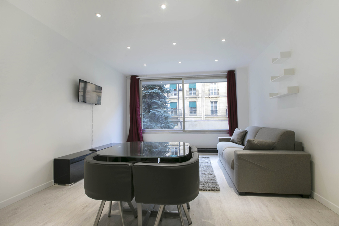 Apartment Paris Rue des Sablons 4
