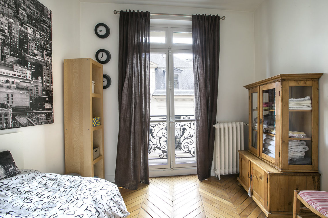 Квартира Paris Rue Balzac 15