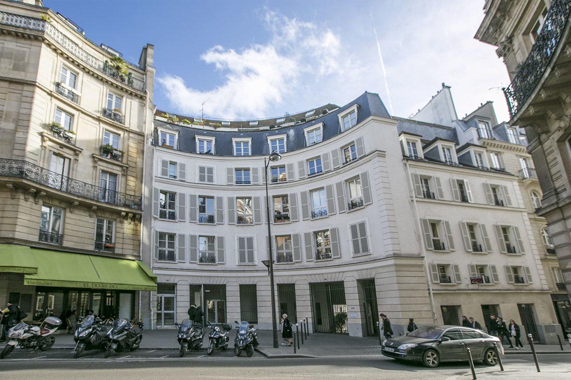 appartamento in affitto rue d 39 hauteville paris ref 14353. Black Bedroom Furniture Sets. Home Design Ideas