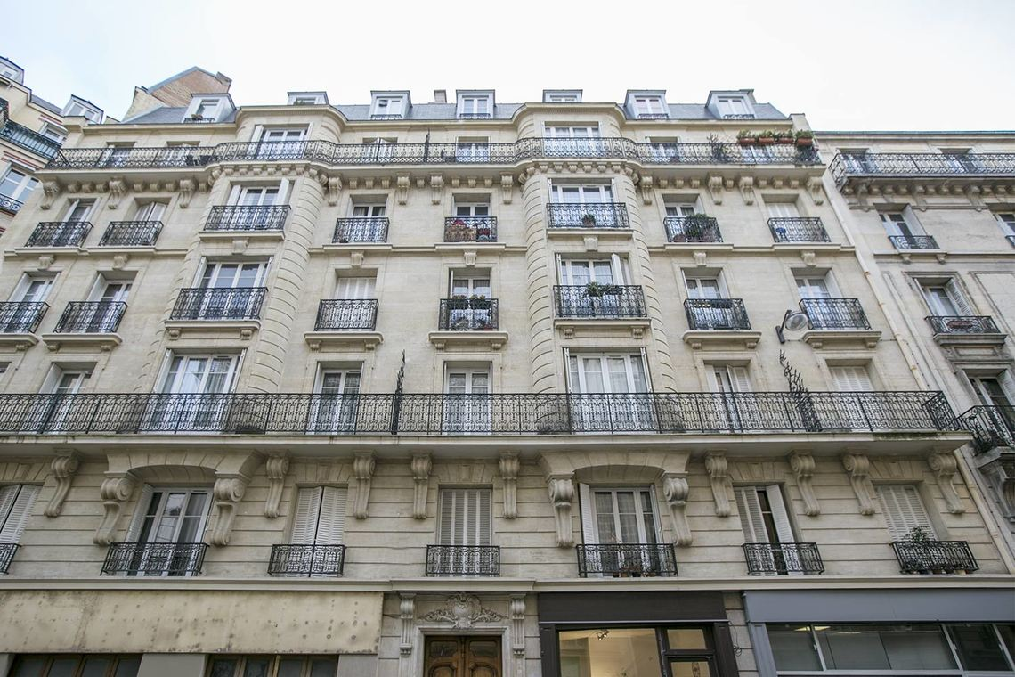 Apartment Paris Rue Humblot 18