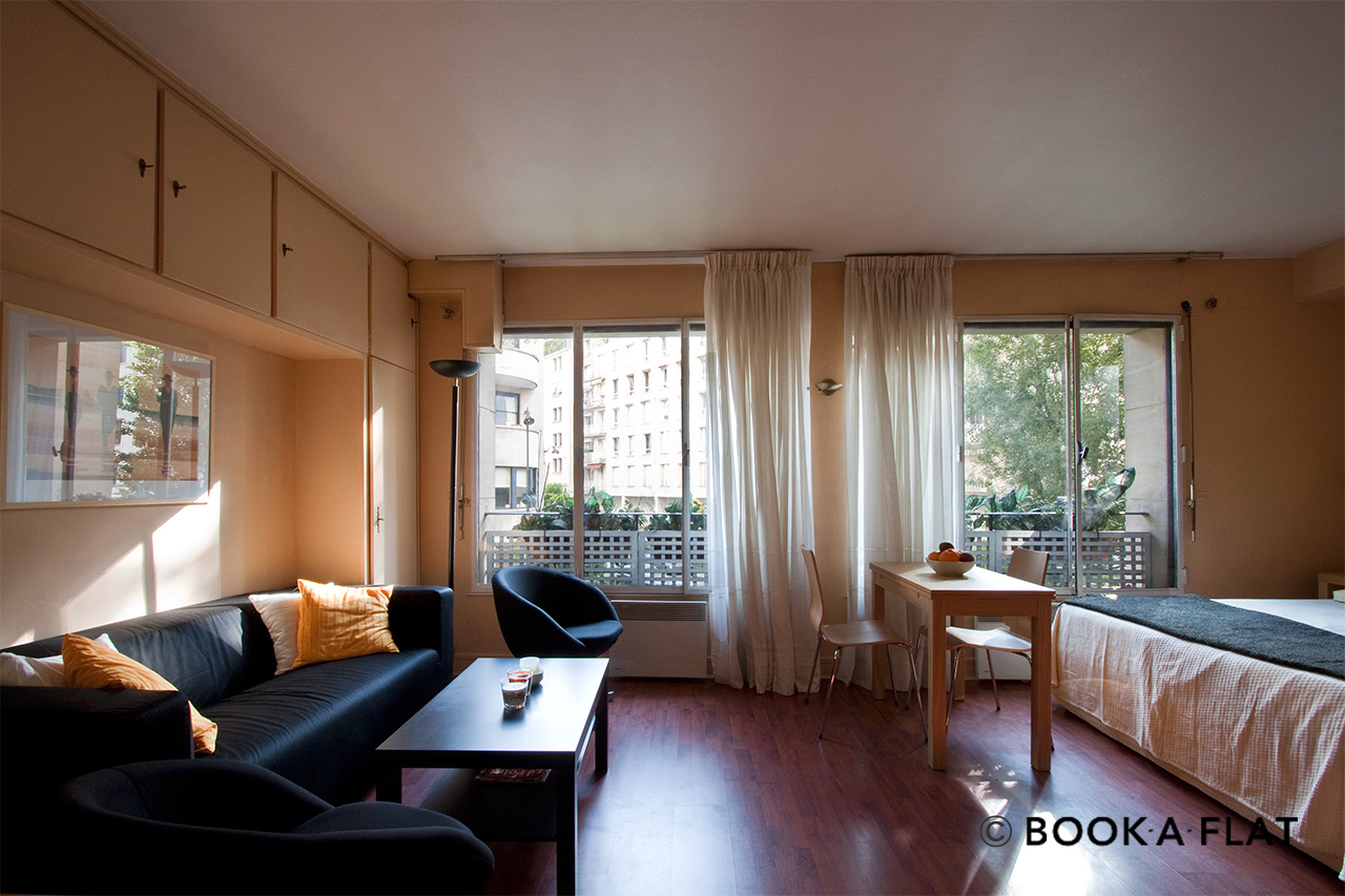Furnished apartment for rent Paris Avenue Emile Bergerat