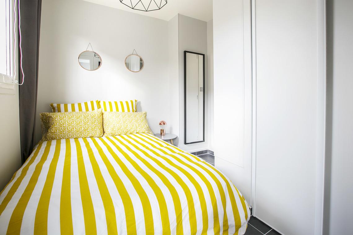 apartment for rent rue hall paris ref 14567. Black Bedroom Furniture Sets. Home Design Ideas