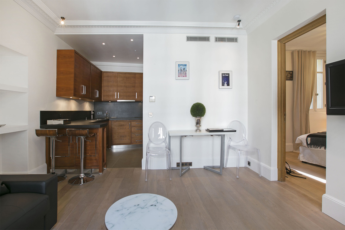 Appartement Paris Rue Saint Honoré 5B 2